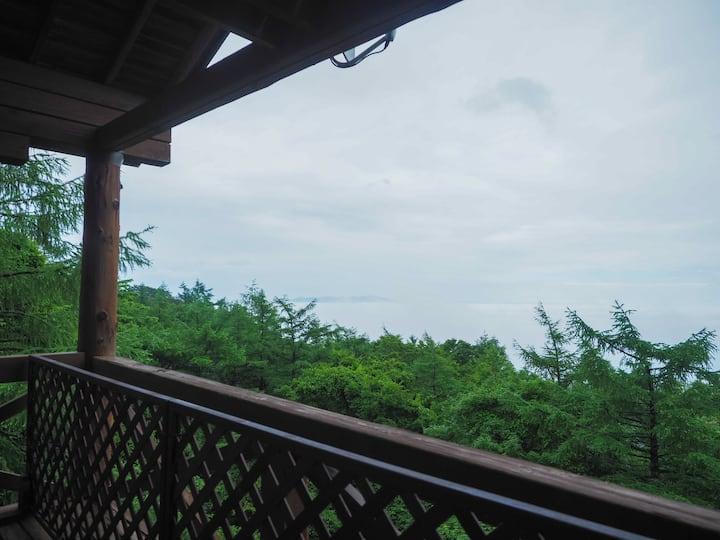 圧巻の眺望。関東平野一望。時に拡がる雲海。夜には迫る星空。リモートワーク最適。ハイランドパーク至近。