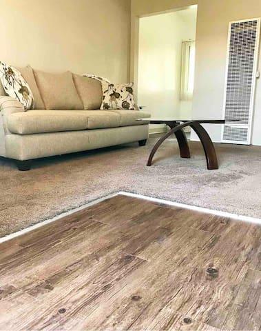 Clean & comfy 1 bedroom near LAX,Beach & shopping
