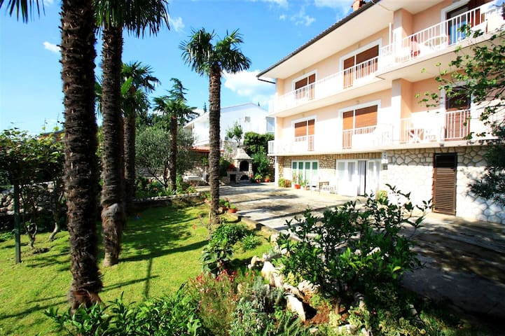 Apartment for 2 people - 600m to the sandy beach
