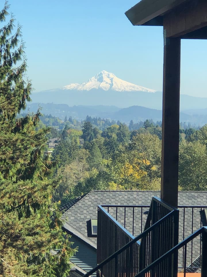Unobstructed Mount Hood views await!