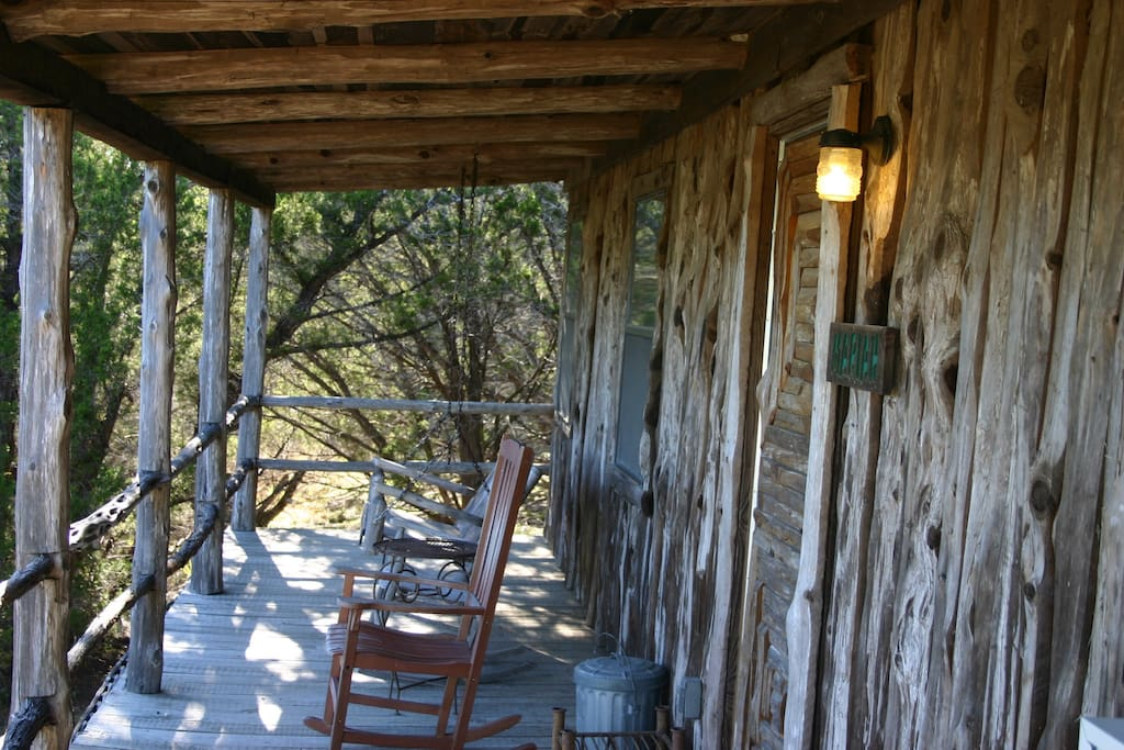 Cabin in the woods bed breakfasts for rent in for Texas cabins in the woods