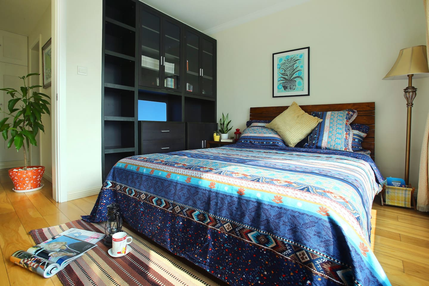 comfortable bedroom with real wood bed(1.5*2m)