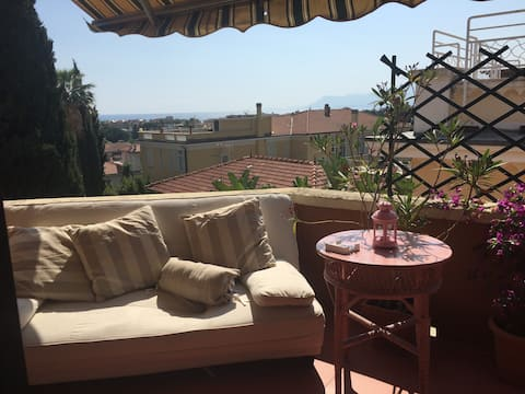 Mini penthouse in Provencal style