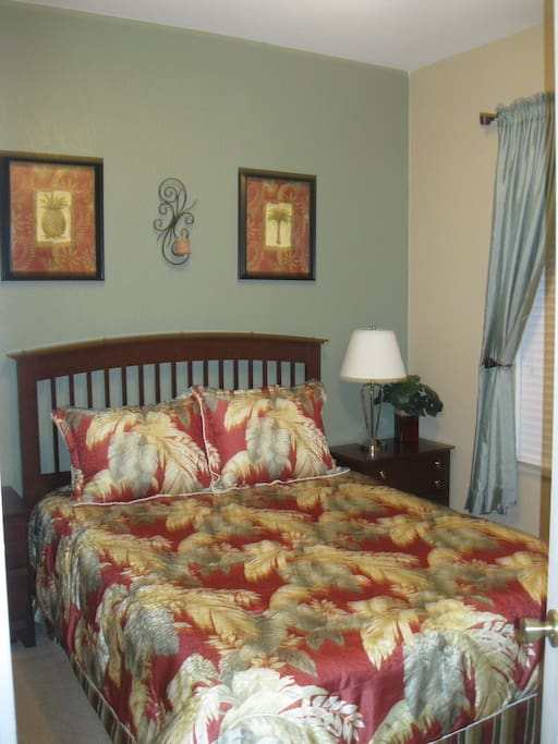 Tropical Guest Bedroom-Queen Size Bed