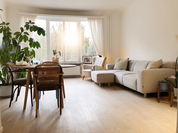 Cozy private apartment 7min from the city center