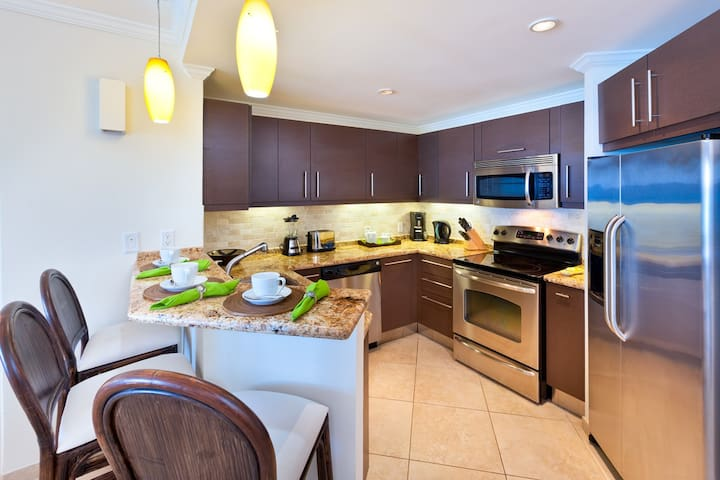 A fully outfitted kitchen makes it easy for the cooks in the family to shine on vacation!