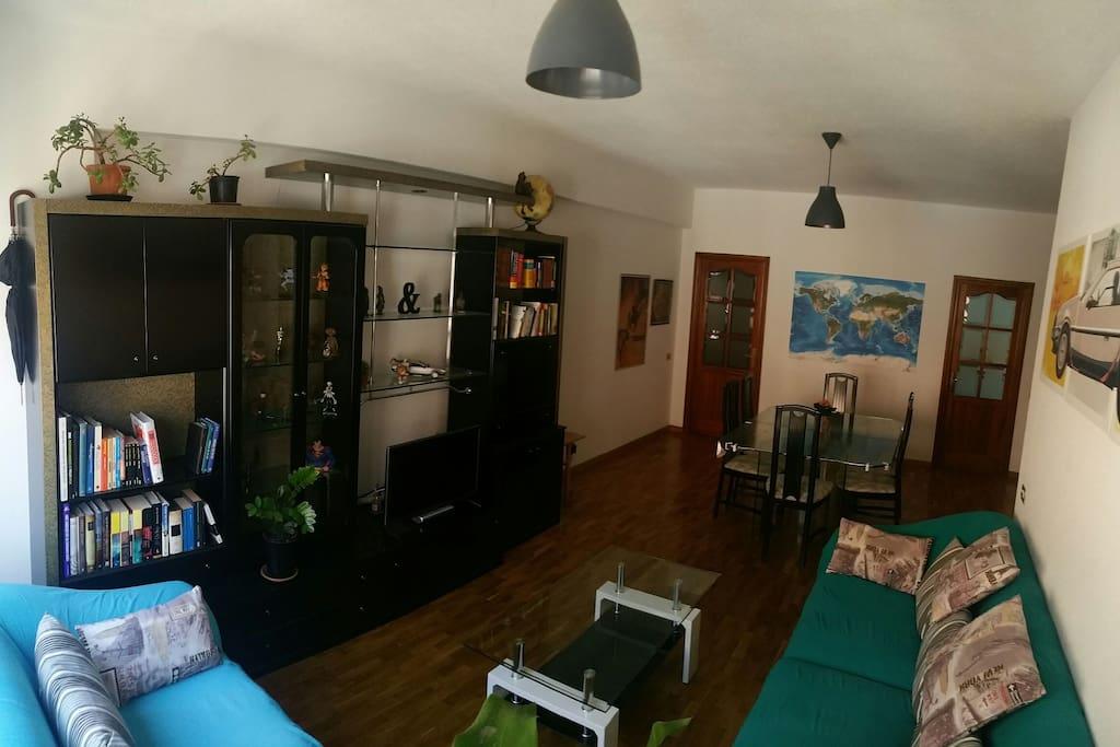 Salón - Comedor/Living Room