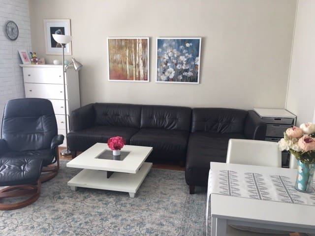 1 BR Condo Close to BART and Downtown