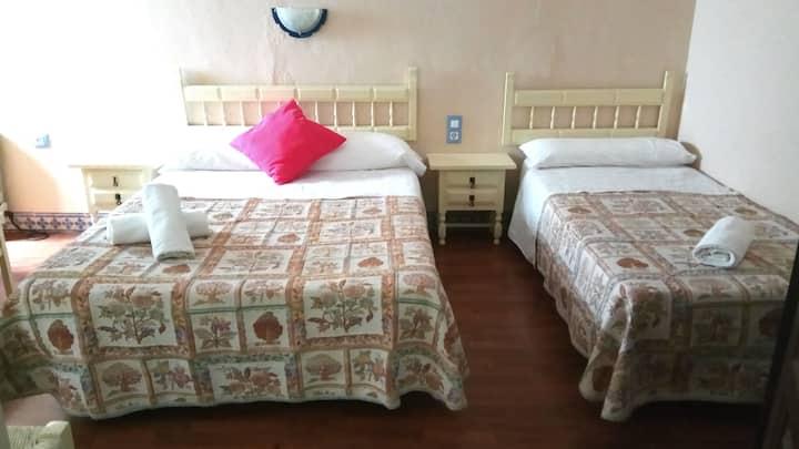 Centrico, Olavide, Habitacion Privada. 105. Baño privado