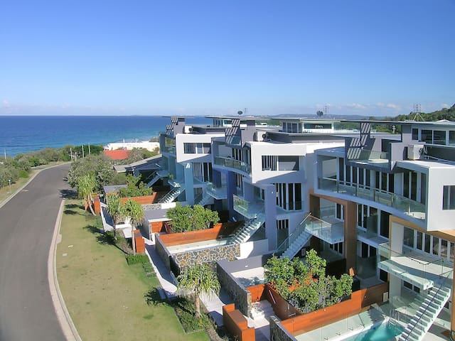 Beachfront Apartment Sunshine Coast - Point Arkwright - Leilighet