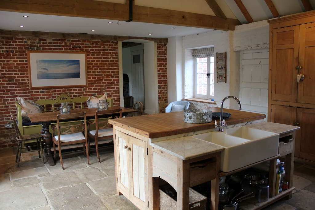 Large farmhouse kitchen with all mod cons including Aga.