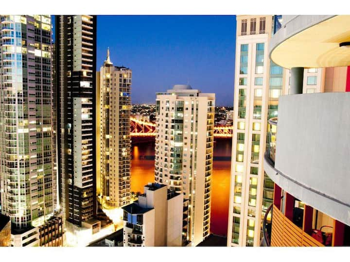 Brisbane City Luxe*River & City Views*Free WiFi.