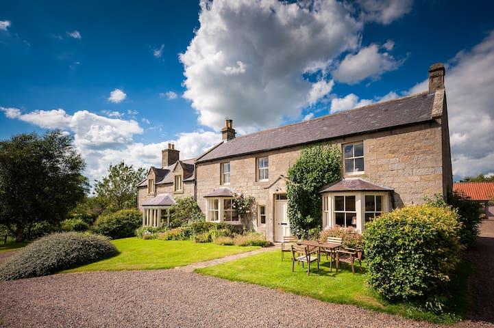 Farmhouse in idyllic rural setting - Rothbury