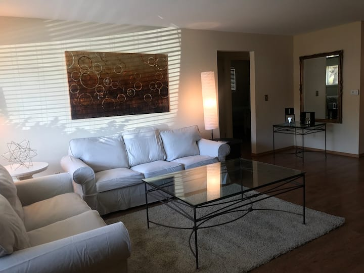 FURNISHED EXECUTIVE APARTMENT,Westover 203