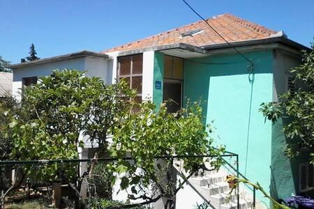 Apartman Karin Gornji - Karin Gornji - House