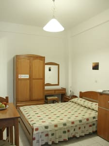 Ground floor room with a double bed - Fanari/Faros - Inap sarapan
