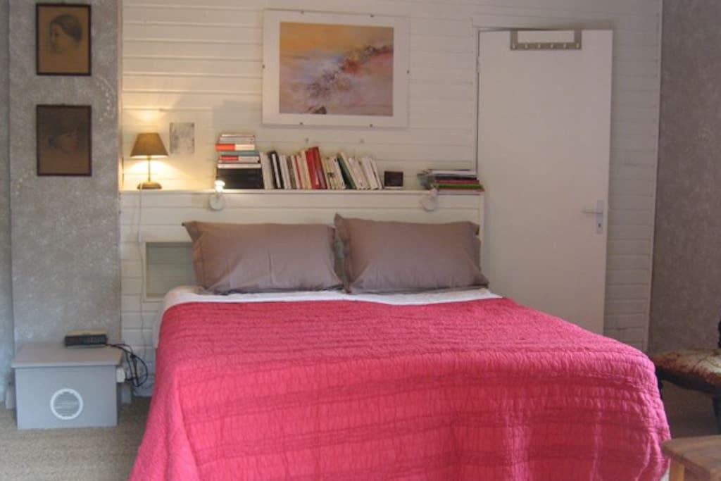 La chambre dentelle (3 personnes : 1x160+1x90)