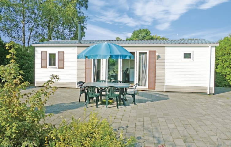 Holiday cottage with 3 bedrooms on 45 m² in Baarle-Nassau