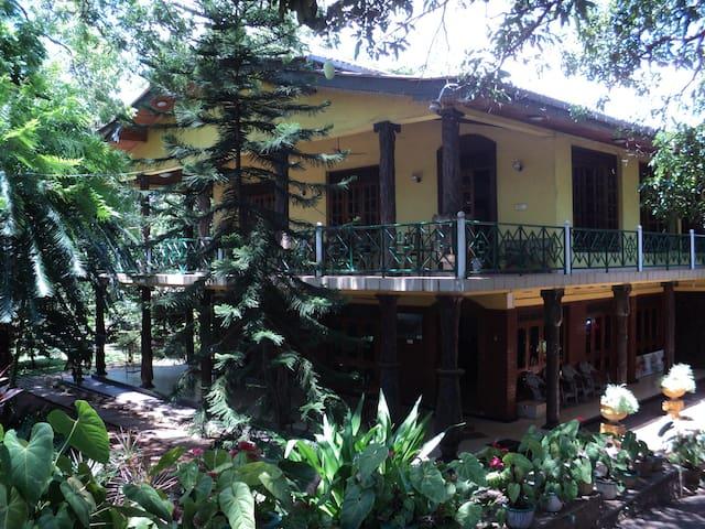 Hotel Oshin Trincomalee - Trincomalee - Bed & Breakfast