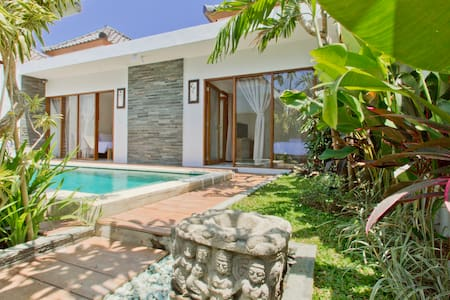 New villa 2 bed Oberoi Great Value - North Kuta - Villa