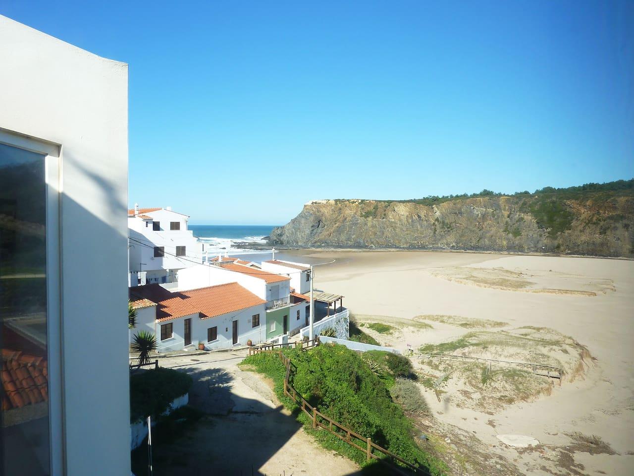 vista da casa sobre a praia