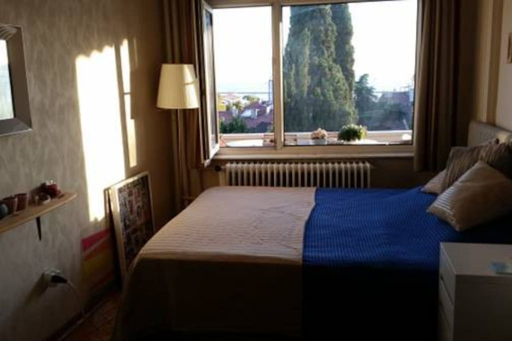 double bed, seaview