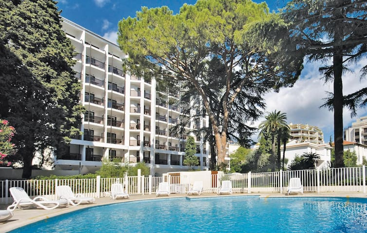 Holiday apartment with 1 room on 24m² in Cannes