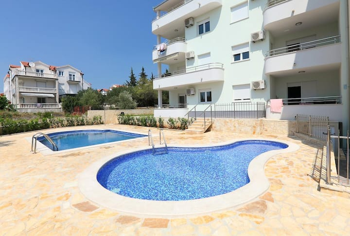 Two bedroom apartment with terrace Okrug Gornji, Čiovo (A-5959-c)
