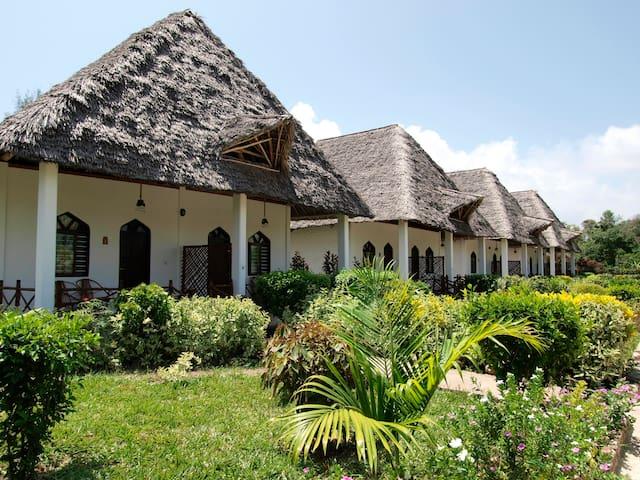 karibu kiwengwaapartments east coast resort