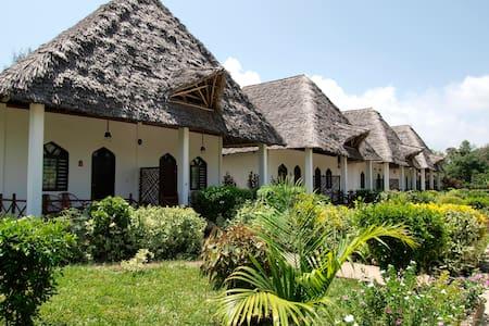 karibu kiwengwaapartments east coast resort - Kiwengwa east coast beach - Bed & Breakfast