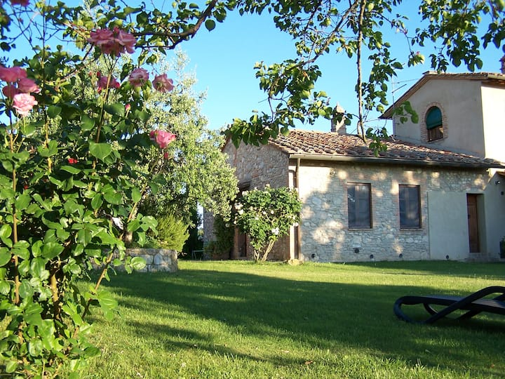 Countryside Cottage With View - Le Rondini apt