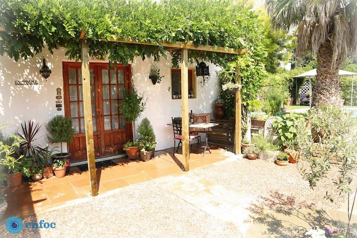 River Ebro Holidays La Casita : Tortosa, Tivenys