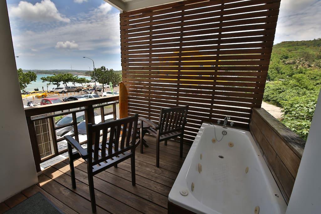 海景SPA雙人房,到陽台才能看到海