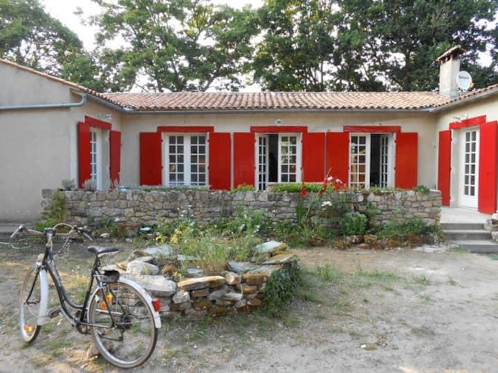 Maison à Oléron, à 800m de la plage