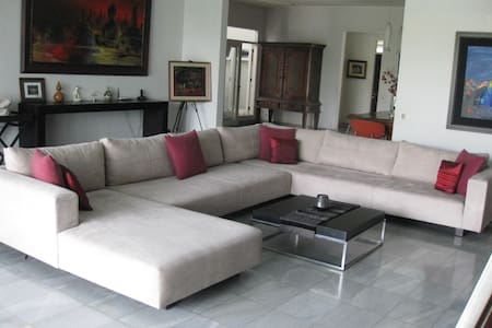 Cozy room in a stylish house - Jakarta Sud
