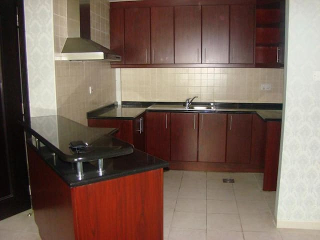 1 Bedroom U type with Big Balcony - Dubai - Pis
