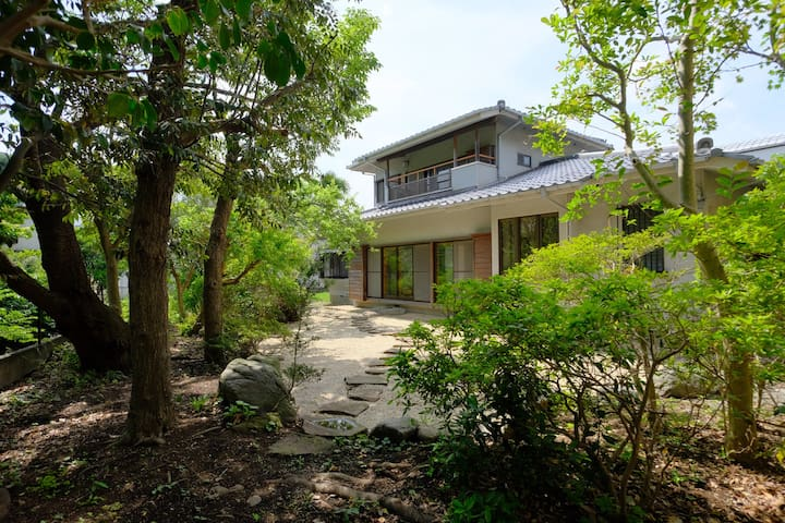 """Just opened!!  """"TOKIWA"""" Mix dorm 6 people-1bed"""