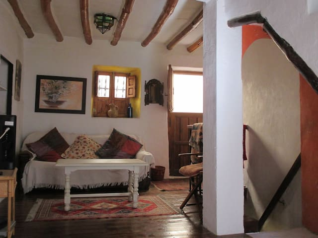 Authentic Andalucian Village House near Granada - Quéntar