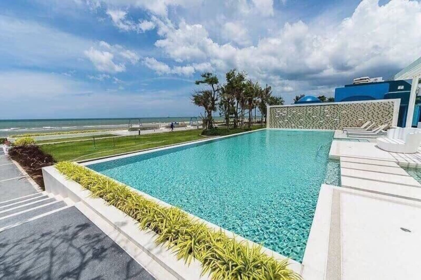 Sea side swimming pool