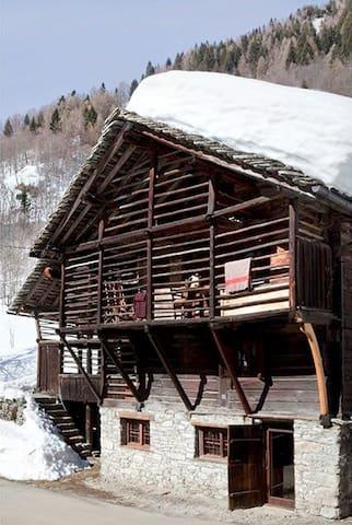 Baita Walser in Val Vogna1 - Riva Valdobbia - Rumah