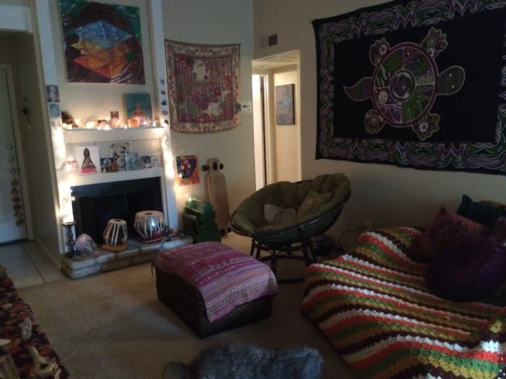 Rent for ACL.. 1.5 m from ZILKER!!!