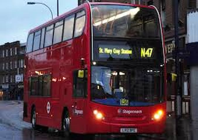 N47 (now N199) nightbus from central London runs between hours of midnight and 5am