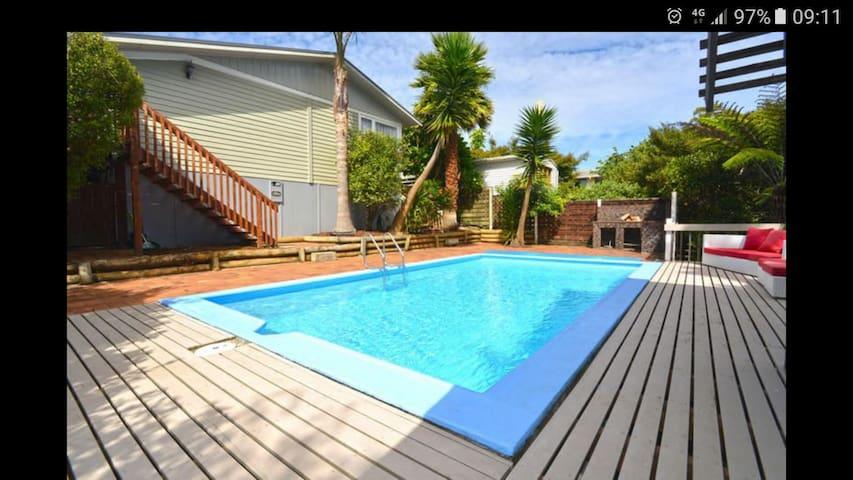Tui Bungalow - Auckland - Dům