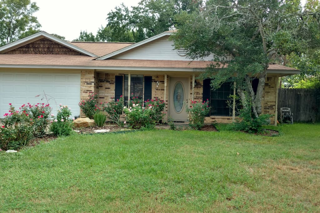 Cosy Room In A Beautiful House Houses For Rent In College Station Texas United States