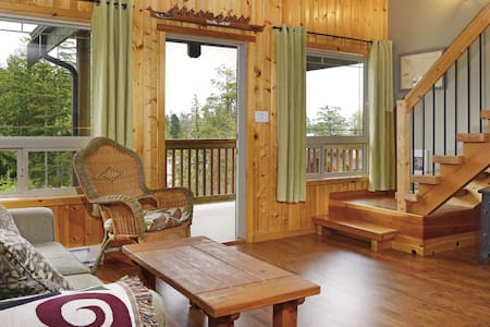 Beautiful 2 bedroom Cabin Suite #2