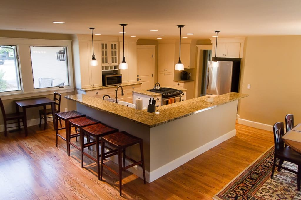 Wonderful kitchen with plenty of room to cook.
