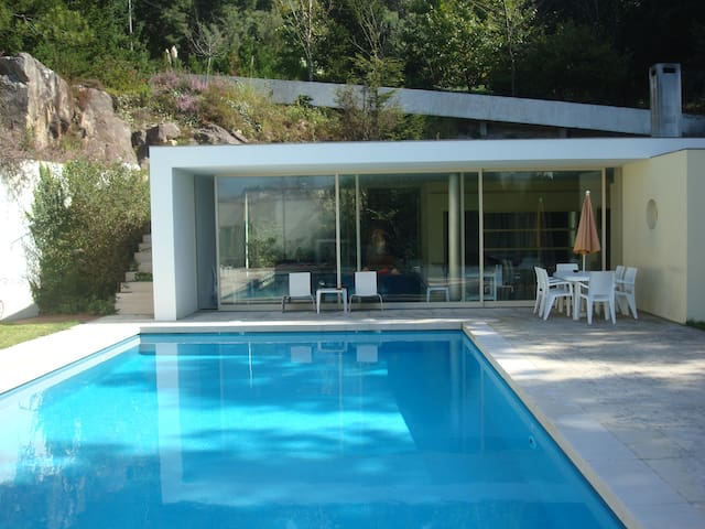 The Pool House-up to 10p - Oliveira do Douro - Rumah