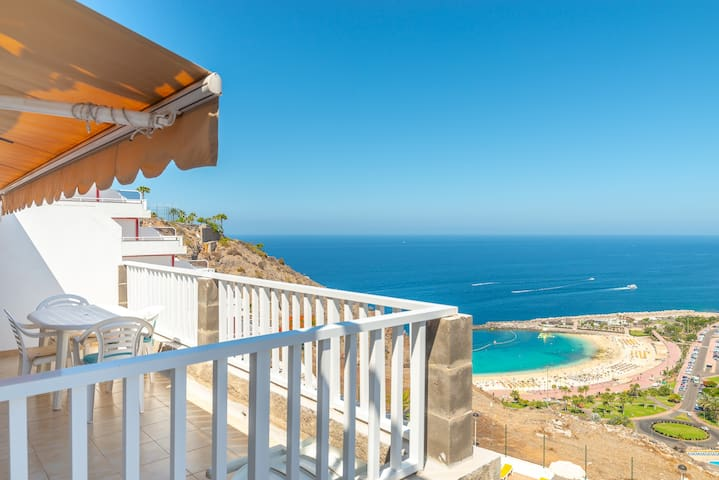 Amadores sea views and  wifi pool I by Lightbooking