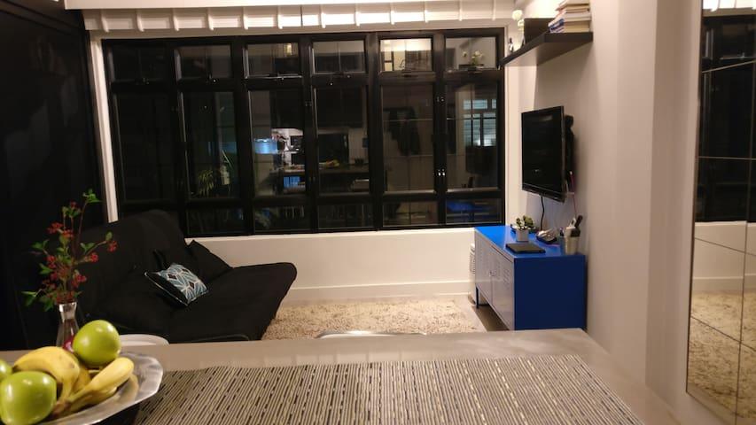 Modern studio in Sai Ying Pun (HK Island)
