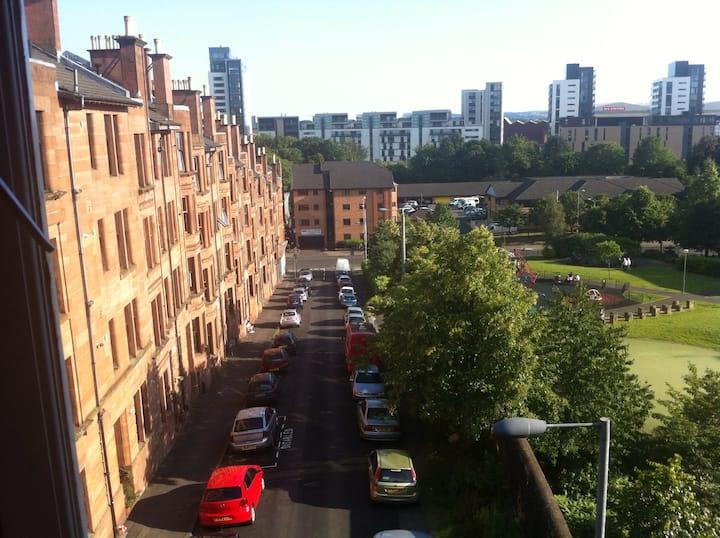 West end of Glasgow. 1 bedroom flat